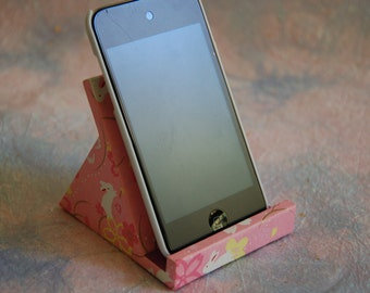 Cell phone / iPhone stand (S)
