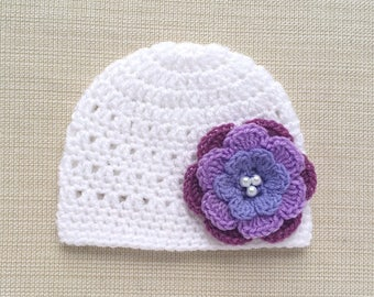 White newborn girl hat, Baby girl hat with flower, Newborn crochet hat for hospital, Newborn Baby girl beanie, Crochet baby hats for girls