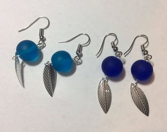 """Lot of 2 pairs of earrings """"Sheet and its blue beads"""""""