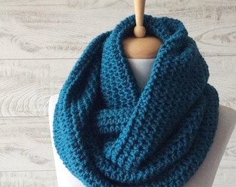 Scarf, infinity scarf, Winter Scarf, Cowl, Knit Scarf, teal knit scarf, women scarf, Many Colors