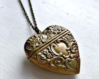 Antique Style Vesta Case Locket Necklace