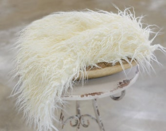 Ivory Flokati Vegan Fur Blanket, Newborn Photo Props, Faux Fur Fabric Props, BASKET STUFFER Fur, NewbornBaby Photography Props, CUPCAKE