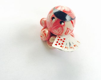 Poker player Octopus Mini Marble Friend with Visor and Tiny playing cards Royal Flush