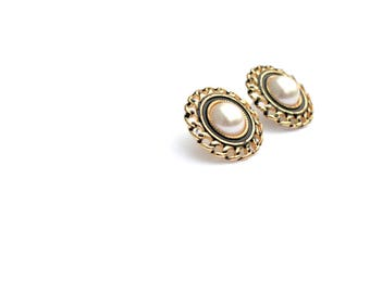 Rosy vintage round black, gold and pearl earrings