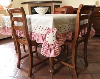 Country chic cotton tablecloth handmade in Italy.