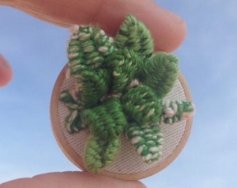 Tiny brooch, little sansiveria embroidered, green  tiny brooch, nature brooch, for woman, made in Spain, ready to ship, modern 3D embroidery