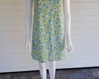 Vintage 1960s Floral Calico Cotton Ric Rac Shift 60s 50s Dress