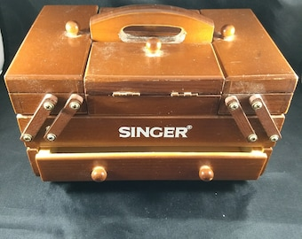 Vintage small wooden SINGER sewing box, 5 inches high, fold out drawers