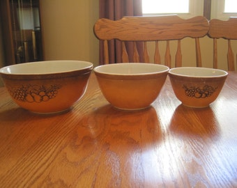 Set of Three Harvest Gold Pyrex Stacking Bowls 1970's