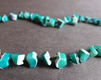 Vintage Teal Aqua Blue Shell Necklace, Bohemian Hippie Dyed Shell Necklace, Chunky Beach Shell Necklace