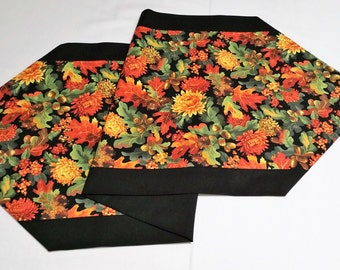 Handmade table runner Fall table runner Autumn table runner Thanksgiving table runner harvest table runner hostess gift