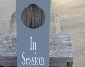 In Session Door Knob Hanger Wood Vinyl Sign Spa Salon Massage Therapy Business Door Sign Office Supplies Gray Wooden Sign Office Decor Sign