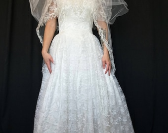 80s wedding dress etsy vintage 80s jessica mcclintock wedding dress white lace turtleneck wedding dress with sequin details on junglespirit Choice Image