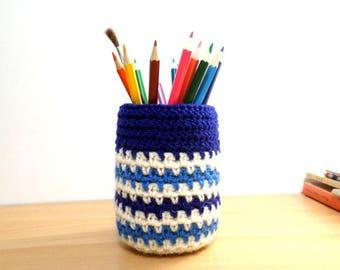 Navy stripes crochet pencil holder