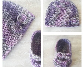 Purple and gray baby booties and hat set/ Handmade baby gift/ Crochet baby girl booties and hat set/ Photoprop/ Purple baby shoes