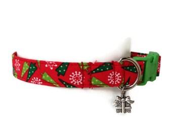 Christmas Trees Holiday Dog Collar size Small