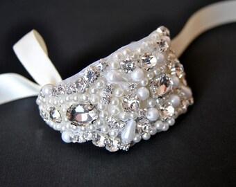 Beaded  cuff bracelet bridal, bridesmaid cuff bracelet,bridal bracelet, beaded crystal cuff,Jewelry Bracelet