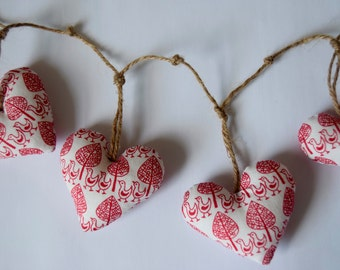 Christmas heart garland - bunting - white & Red scandi fabric - christmas decoration - red - white - handmade