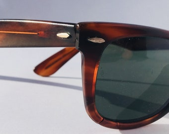 Ray ban way-farer//b&l//made in USA//blues brothers//sunglasses//baush and lomb//vintage//iconic//old
