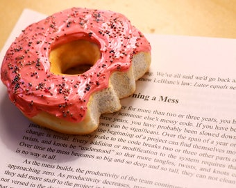 Donut Paperweight - Donut Accessoiries, Paperweight, Office Desk Accessories, Gift for Women, Birthday Gift