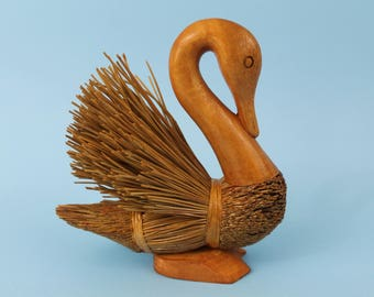 Handcarved swan miniature(natural), Feather fan out swan,Folk arts bird,long leaf pine needle craft