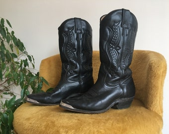 Black leather BOULET cowboy boots with metal boot tip tip ( Size 5 1/2 women )