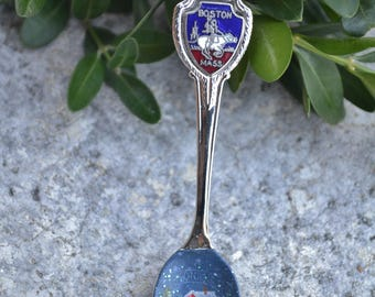 Souvenir Spoon/Painted Spoon/Vintage Spoon/Spoon ornament/Boston/Massachusetts/Red Cottage/Snowman