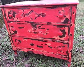 "Antique Chalk Paint Chippy Reds Dresser ""Chili Pepper"""