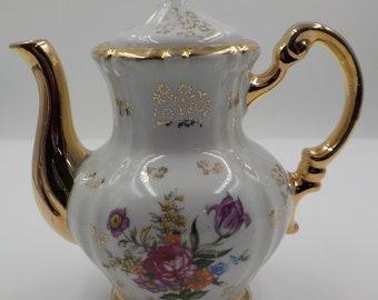 Vintage Porcelain Tea Pot - Roses - Gold Gilding - Charming - Made in Japan - Shabby Cottage - Victorian Style