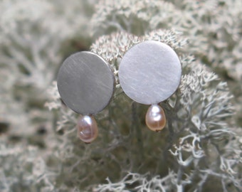 sterling silver minimalist earrings with white river pearl