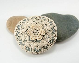 crochet lace stone, natural thread, crochet rock, bowl element, art object, cream rose and leaves, beach wedding decor, cottage decor