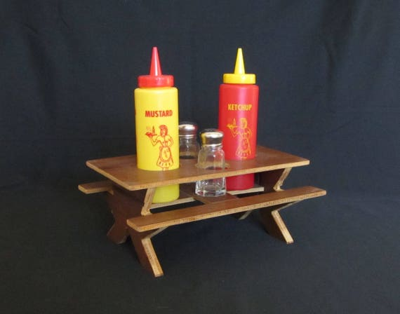 & Vintage 1970s Kitschy Novelty Condiment Caddy Set for Backyard