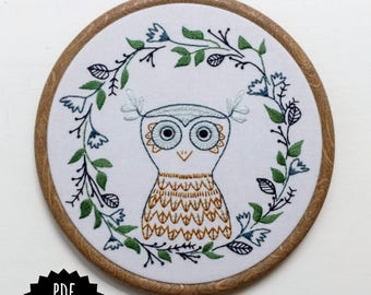 OWLETTE - pdf embroidery pattern, embroidery hoop art, wise owl, owl with wreath frame, fall wreath design, stitched owl, bird embroidery