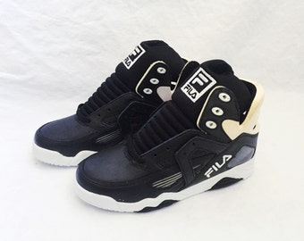 vintage FILA the cage shoes youth size 5