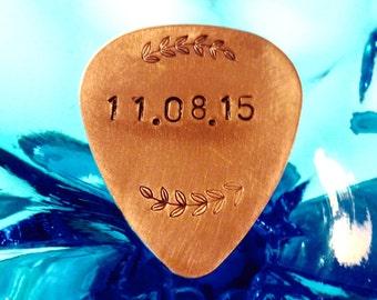 Date Guitar Pick