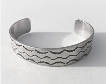 """Lovely •  5.90"""" •  Vintage Navajo Sterling Symbol Sun & Water Cuff"""