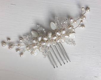Bridal hair comb, pearl hair comb