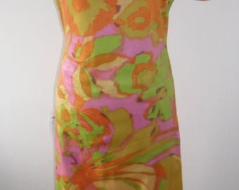 1970s Psychedelic Floral Maxi Shift Dress