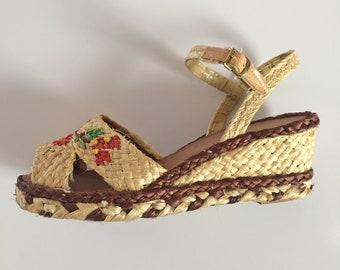Vintage 1940s Espadrille Platform Sandals Two Tone Floral Motif
