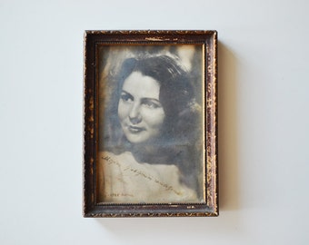 Vintage framed photo / vintage photograph of a beautiful woman