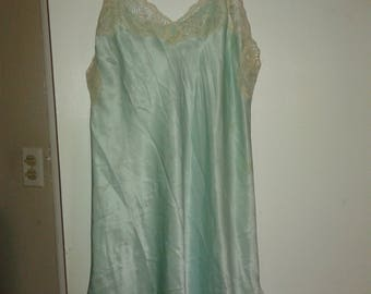 Vintage nightie with lace bodice