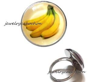 Ring fruit banana glass cabochon
