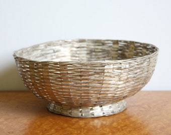 Vintage Woven Silvertone Metal Basketweave Footed Bowl