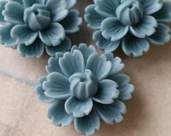 26 mm Pale - blue Chrysanthemum Resin Flower Cabochons (B)(.gm).
