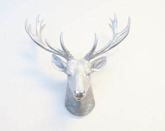 Mini Deer Head Wall Mount in Silver - All Metallic Silver - Home Decor Wall Mount SD1010