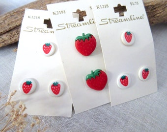 Strawberry   Buttons  Red  Buttons  Baby Buttons - set of 8.