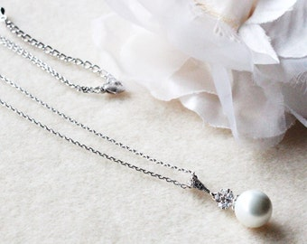 Pearl Bridal Necklace Pearl and Crystal Wedding Necklace Bridesmaid Necklace Bridal Party Bridesmaid Gift Wedding Jewelry