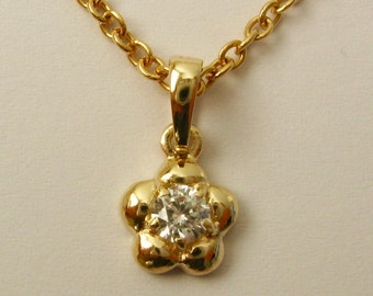 Genuine SOLID 9K 9ct Yellow GOLD April Birthstone Daisy CZ Cubic Zirconia Pendant