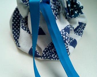 Small linen/cotton pattern fish purse handmade 2