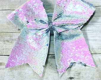 Reversible sequin pearl white/holographic silver bow